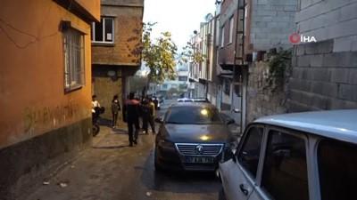 silahli kavga -  Gaziantep'te silahlı yol verme kavgası: 2 yaralı