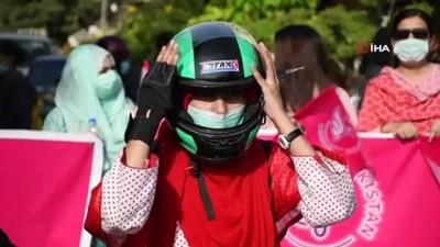 basbakan -  - Pakistan'da motosikletçi kadınlardan konvoy