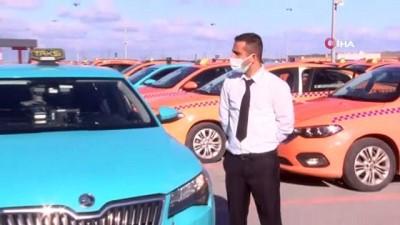 harekete gec -  Araçta unutulan 300 bin Euro'yu sahibine teslim eden o taksici konuştu