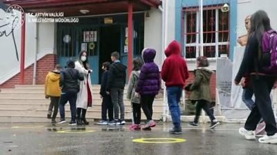 Artvin Milli Eğitim Müdürlüğü'nden 'Öğretmenler Günü'ne özel şarkı