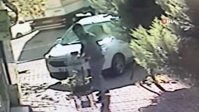 kamera -  Esenyurt'ta park halindeki aracın kundaklanma anı kamerada