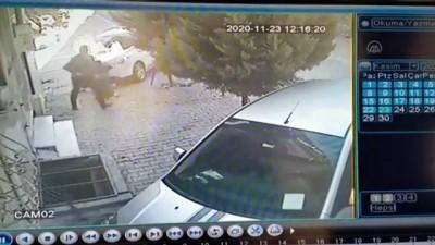 kamera - İSTANBUL - Esenyurt'ta park halindeki otomobil kundaklandı