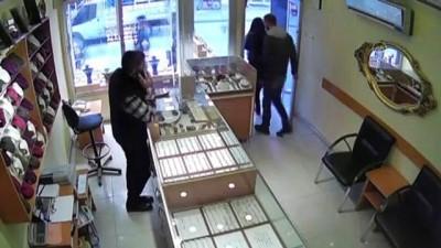 YOZGAT - Kuyumcuya sahte altın bozdurdukları iddiasıyla 3 kişi yakalandı