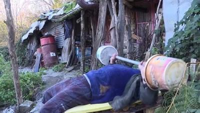 teknoloji - BURSA - Uludağ'ın eteklerinde yaptığı kulübede 7 yıldır teknolojiden uzak yaşıyor