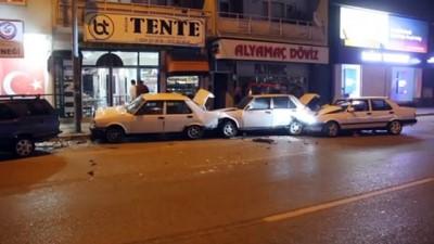 ilk mudahale - BURSA -  Zincirleme trafik kazası: 2 yaralı