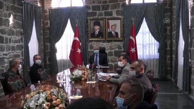 deprem bolgesi - DİYARBAKIR - İzmir'de 110 bin depremzedeye yemek hizmeti sunan aşevi görevlileri Diyarbakır'a döndü