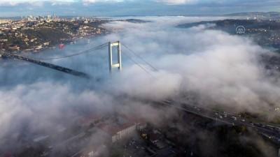 İSTANBUL - Sis sabah saatlerinde boğazın örtüsü oldu