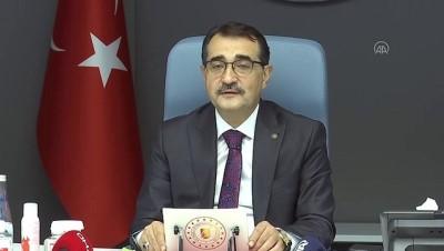 ANKARA - Bakan Dönmez: 'Yerli teknolojiyle birlikte rüzgarı Türkiye'nin ikinci bir otomotiv sektörü yapmaya niyetliyiz'