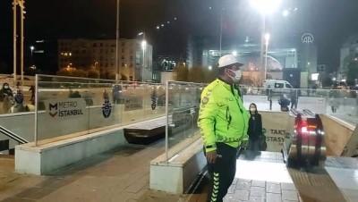 metro istasyonu - İSTANBUL - Yenikapı-Hacıosman metro seferinde aksama
