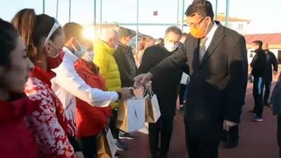 bild - KÜTAHYA - Türkiye ve Ukrayna atletizm milli takımları Kütahya'da kampa girdi