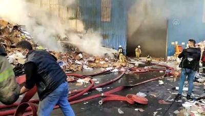 bild - İSTANBUL - Zeytinburnu'nda geri dönüşüm tesisinde yangın (2)