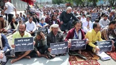 TAİZ - Yemen'de yüzlerce kişi Husilerin 'terör örgütü' kabul edilmesi talebiyle gösteri düzenledi