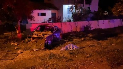 trol - İZMİR - Köpeğe ve bahçe duvarına çarpan otomobilin sürücüsü hayatını kaybetti