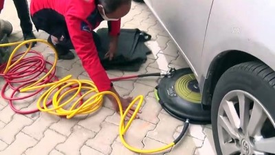 irak - MERSİN - Art arda 4 aracın motor bölümüne giren kedi yavrusu kurtarıldı