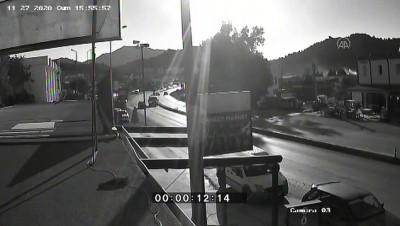 hastane - MUĞLA - Ehliyetsiz sürücünün neden olduğu kaza güvenlik kamerasına yansıdı
