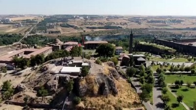 sistem yapi - DİYARBAKIR - Roma dönemine ait 1800 yıllık atık su kanalı bulundu