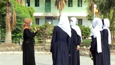 2008 yili - Gazzeli öğretmen abluka altındaki kısıtlı imkanlarla geliştirdiği projelerle uluslararası ödül kazandı
