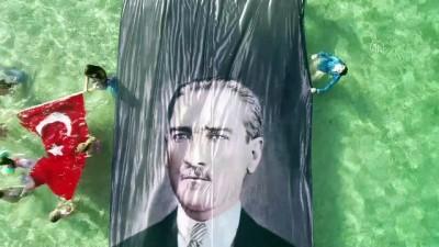 portre - Birgül Erken ve Ufuk Koçak'tan 10 Kasım Atatürk'ü Anma Günü ve Atatürk Haftası'na özel dalış - ANTALYA