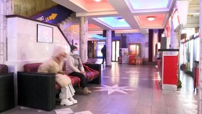 BİŞKEK - Kırgızistan'da salgın nedeniyle kapatılan sinema salonları yeniden açıldı
