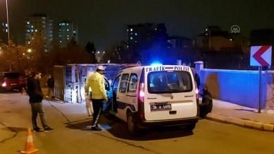 KAYSERİ - Freni boşalan kamyon bahçe duvarına çarparak durabildi