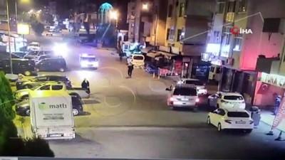 Artvin'den yüreklere dokunan görüntü...Kucağında uyuyakalan çocuğuyla evine gitmeye çalışan babayı polisler ekip aracıyla bıraktı
