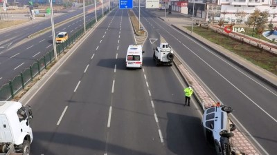 koprulu -  Kısıtlamada bomboş yolda trafik kazası: 2 yaralı
