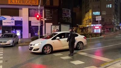 KIRŞEHİR - Kısıtlamayla cadde ve sokaklar sessizliğe büründü