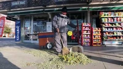 """Kısıtlamalarda Kırşehir temizlik görevlilerinden mesaj: """"Çöplerinizi, maskelerinizi ve eldivenlerinizi sokaklara atmayın"""""""