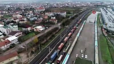 Çin'e gidecek 42 vagon ve 42 konteynerlik ihracat treni böyle görüntülendi