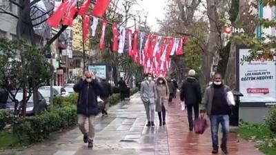 Kocaeli'nin işlek cadde ve sokaklarında maskesiz gezen insanlar 'pes' dedirtti