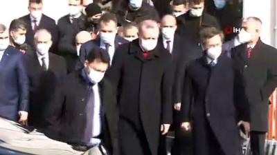 """bilirkisi -  Cumhurbaşkanı Erdoğan: """"Aşı olacağımı açıklamıştım. Tüm vatandaşlarımı bu hassasiyete davet ediyorum"""""""