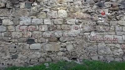 - Sinop'ta tarihi surlara saygısızlık