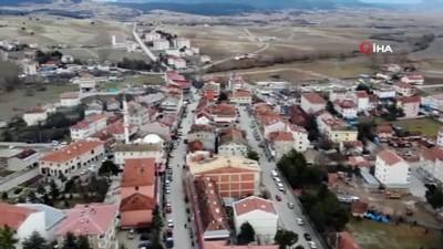 """- İlçenin içme suyunu besleyen göletlerde sular çekilmeye başladı - Eflani Belediye Başkanı İbrahim Ertuğrul: - """" 6 aydır yağış alamadık ve tedirgin olmaya başladı"""