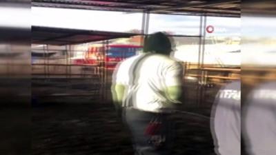 - Karaman'da kuyuya düşen ineği itfaiye kurtardı