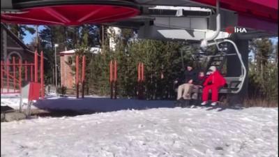 Sarıkamış'ta Covid-19 tedbirleri alınarak kayak sezonu açıldı