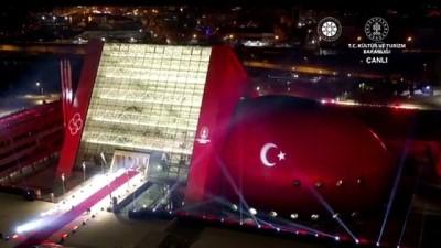 ANKARA - Cumhurbaşkanı Erdoğan: '(CSO binası) Burası önümüzdeki dönemde ülkemizin kültür-sanat zenginliğinin nişanelerinden biri olarak milletimize hizmet verecektir''
