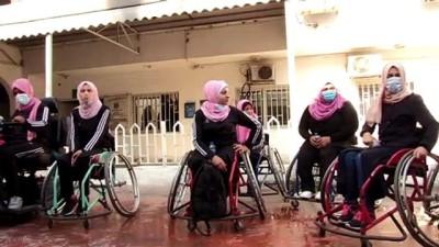 Gazze'de Dünya Engelliler Günü dolayısıyla yarış düzenlendi