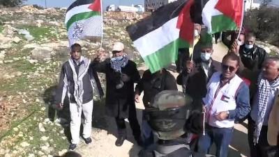 KUDÜS - İsrail askerlerinin Batı Şeria'daki gösteriye müdahalesinde 32 yaralı