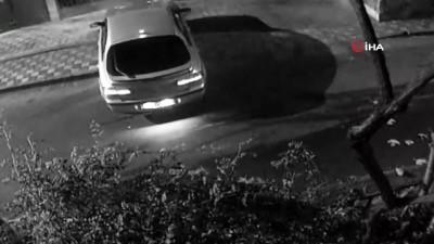 Otomobilini tamir eden adamın cep telefonu kaşla göz arasında böyle çalındı
