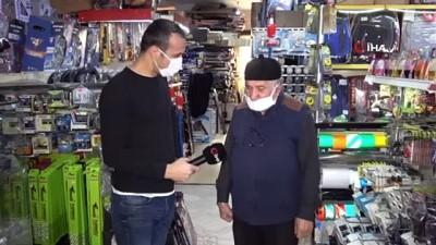 prostat kanseri -  Eczanedeki çalışanı, yaşlı adamı kaldırıma böyle fırlattı Videosu