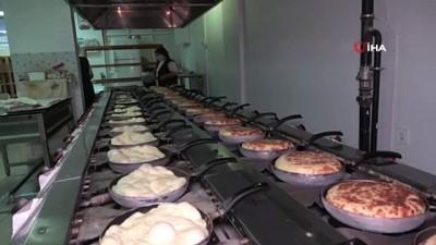 kadayif -  Kadın girişimcinin azmiyle gelen başarı: 2 iş yeri açtı, 20 kadına ekmek kapısı oldu - Bazlamacıların sultanı günlük 3 bin adet bazlama üretiyor