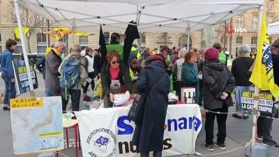 - Fukuşima nükleer felaketinde hayatını kaybedenler Paris'te anıldı - Nükleer karşıtı gruptan gösteri
