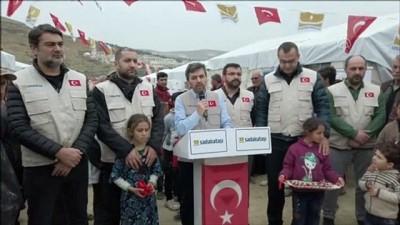 Sadakataşı, İdlib'de inşa ettiği briket evlere yerinden edilenleri yerleştirdi - İDLİB