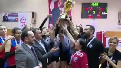 Vakıfbank ve Kayseri OSB Teknik Koleji 1. Lige yükseldi
