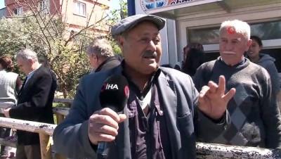Devletin 'Evde Kal' uyarısına uymayan yaşlı adam: 'Evden gidin diyorlar, ne yapalım, karakolluk mu olalım'
