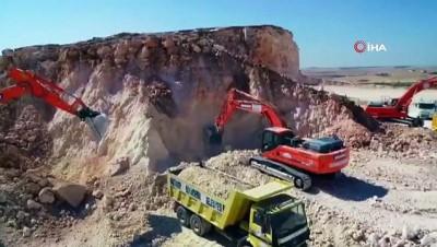 dinamit -  Yeni ticaret merkezi için yapılan çalışmalardaki patlama anı film sahnelerini aratmadı