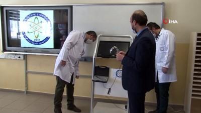 Türk öğretmenler yerli video laringoskop cihazını üretti