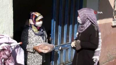 Ramazanda ihtiyaç sahiplerinin sofraları pidesiz kalmıyor