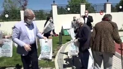anne adaylari -  65 yaş üstü vatandaşlara Turgay Erdem sürprizi