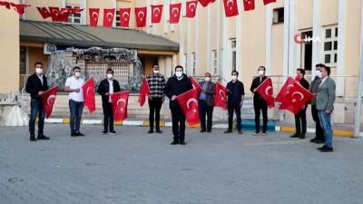 milli bayramlar -  Başkan Sayan belediye ekipleriyle birlikte İstiklal Marşı okudu